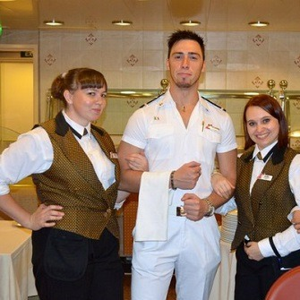 assistant waiter